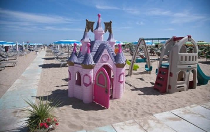 Area giochi bambini Bagno Onda 43 a Rimini