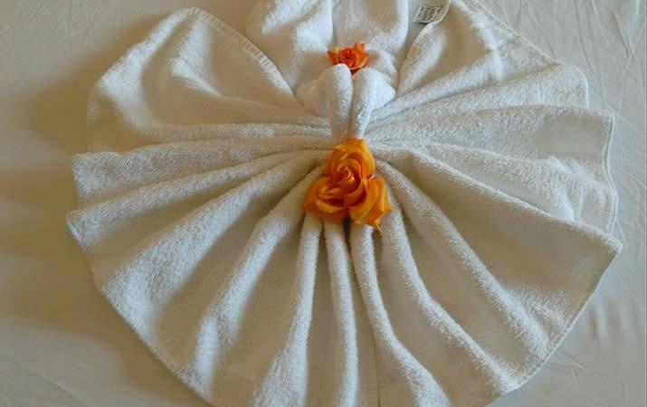 Asciugamano fiore hotel