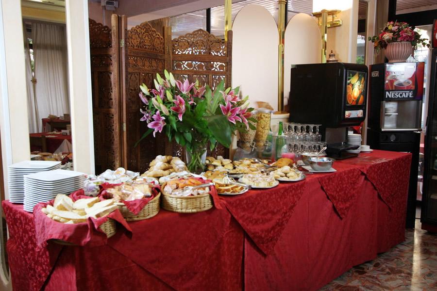 Colazione a buffet hotel Britannia